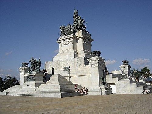 Monumento do Ipiranga, em referência ao marco histórico