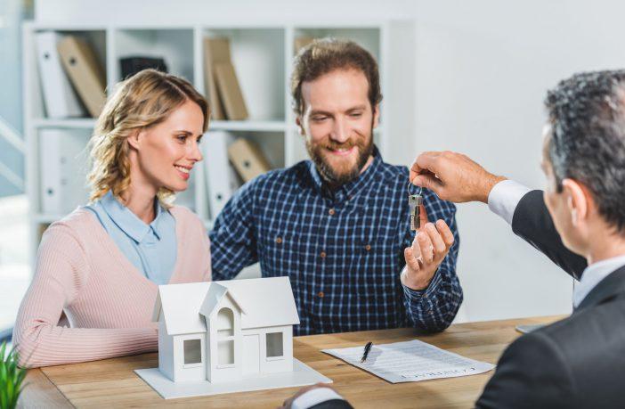 Comprar imóvel: saiba qual o papel da imobiliária nesse processo!