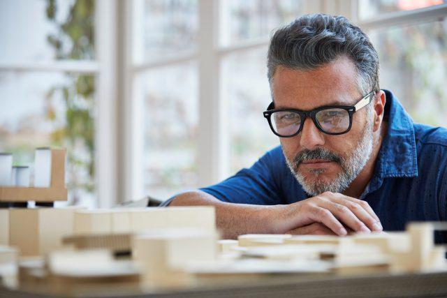 Arquitetura moderna: saiba o que é e como adotar esse conceito no imóvel